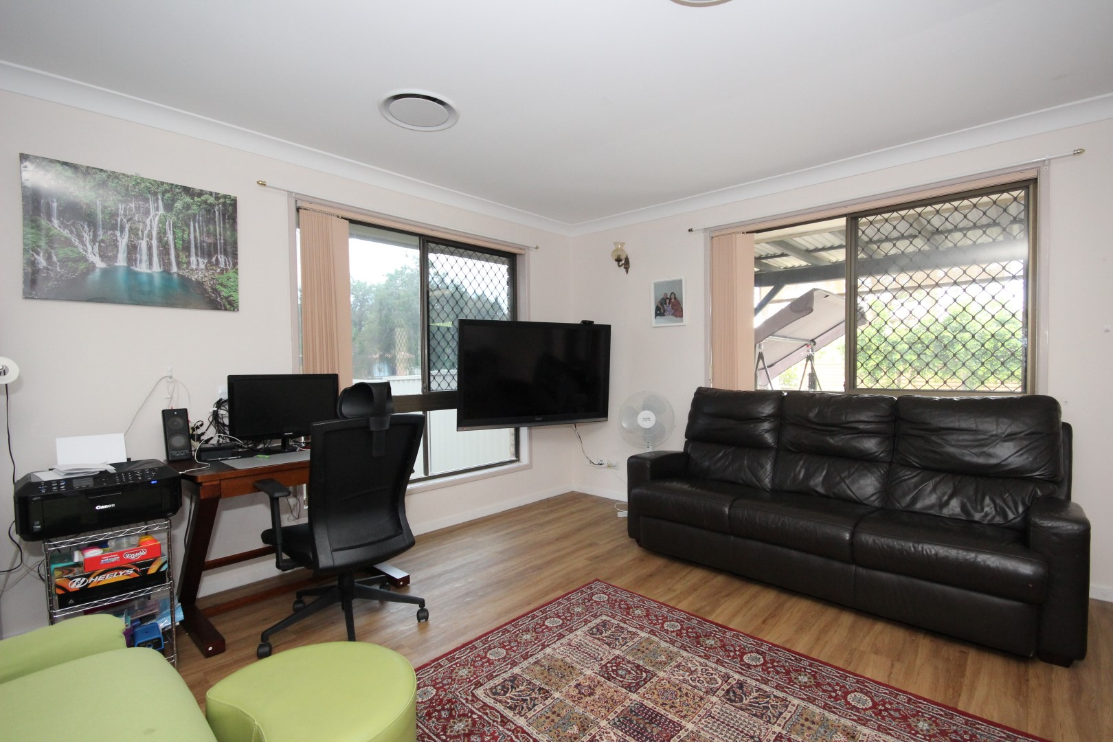 VERY NEAT FRONT DUPLEX – SUIT INVESTOR OR OWNER OCCUPIER