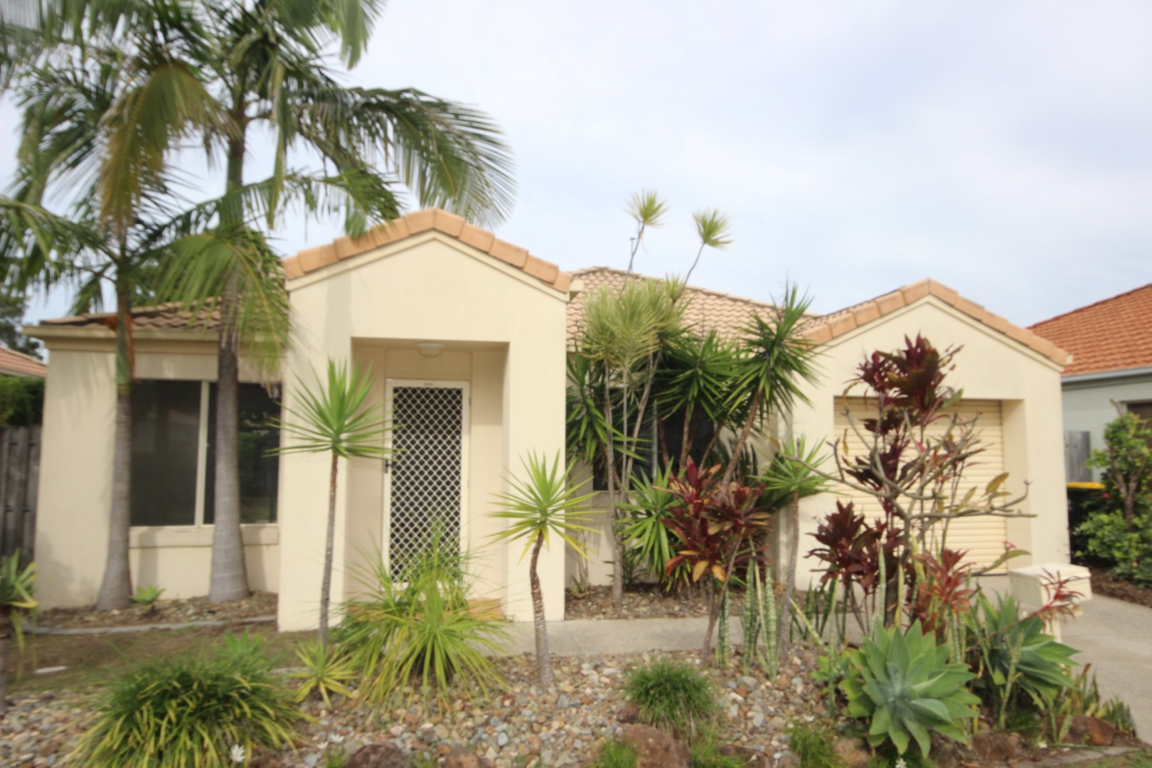 FREE STANDING HOME IN QUIET RESIDENTIAL LOCATION