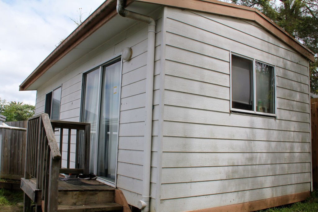 Applications Closed 1 Bedroom Bungalow No Need for a Car.