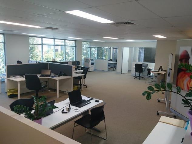 Modern Complex – Spacious First floor Office
