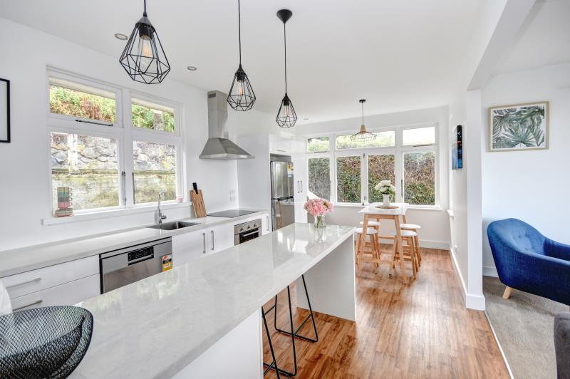 EXCEPTIONAL OFFERING IN KEW