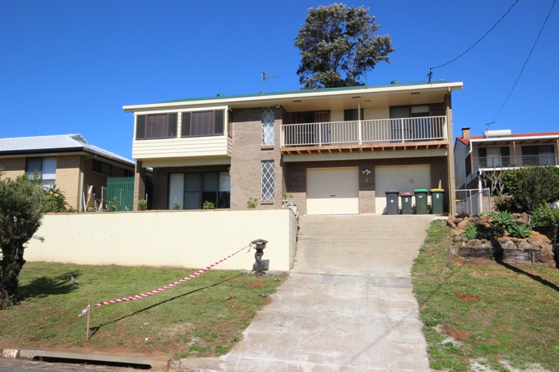 ELEVATED POSITION WITH VIEWS – FAMILY SIZED HOME, PET FRIENDLY