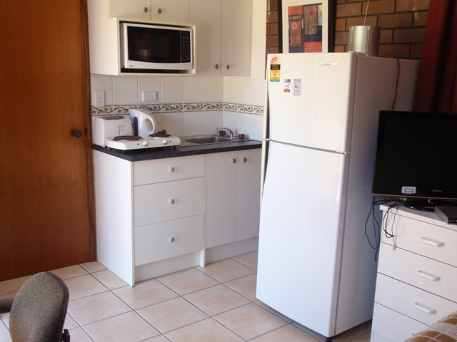 IDEAL STUDENT ACCOMMODATION – FULLY FURNISHED