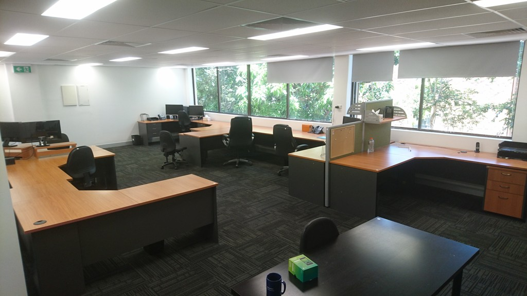 Functional and Furnished open plan Office