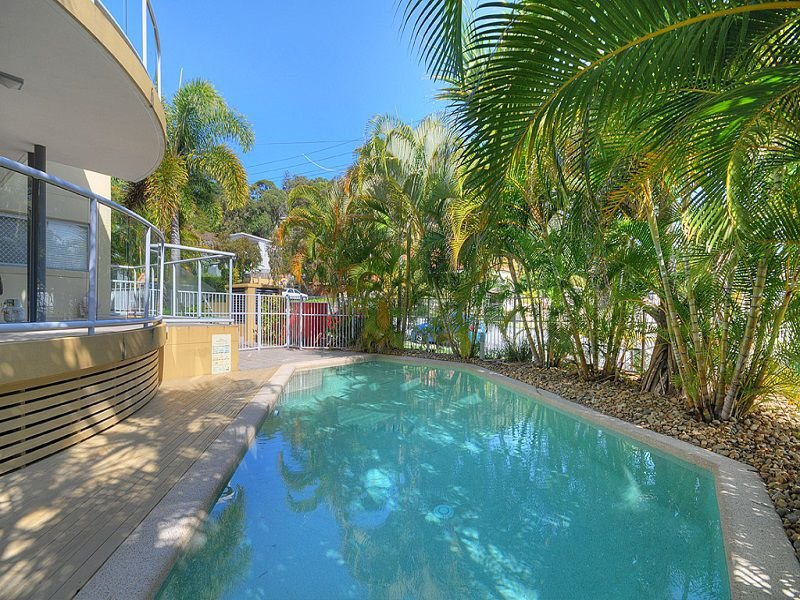 PRICE REDUCED  LOCATION – LOCATION – KIRRA BEACHSIDE