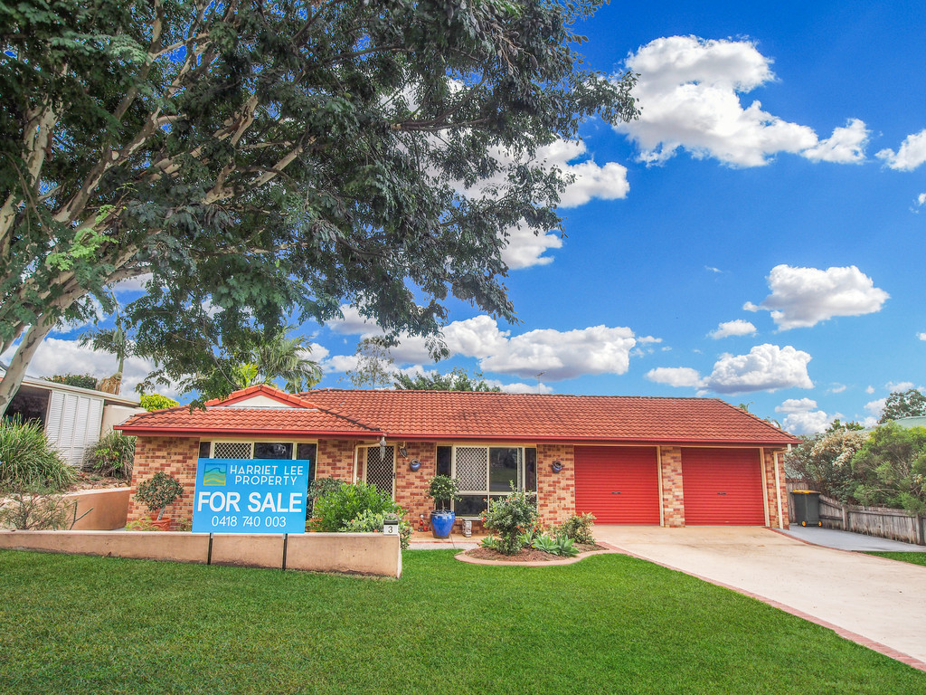 GREAT FAMILY HOME!  FANTASTIC STREET!