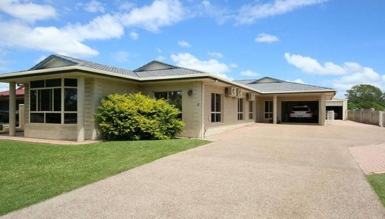 Well maintained Modern Brick Home!