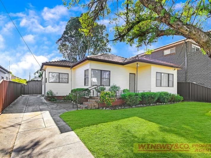 DUPLEX POTENTIAL (STCA) – MUST BE SOLD!
