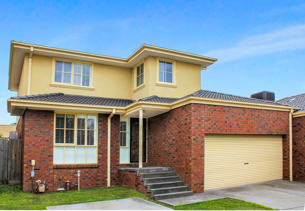 DOUBLE STORY TOWNHOUSE IN PRIME LOCATION! Private Inspections Welcomed.