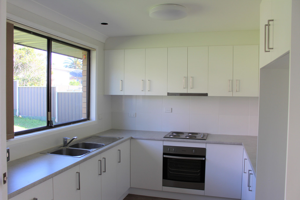 Renovated Kitchen and Bathroom – Pets on Application