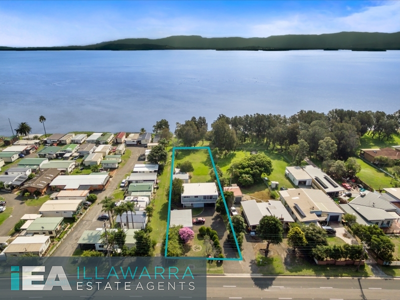 Lakefront property on 1739m2 of land