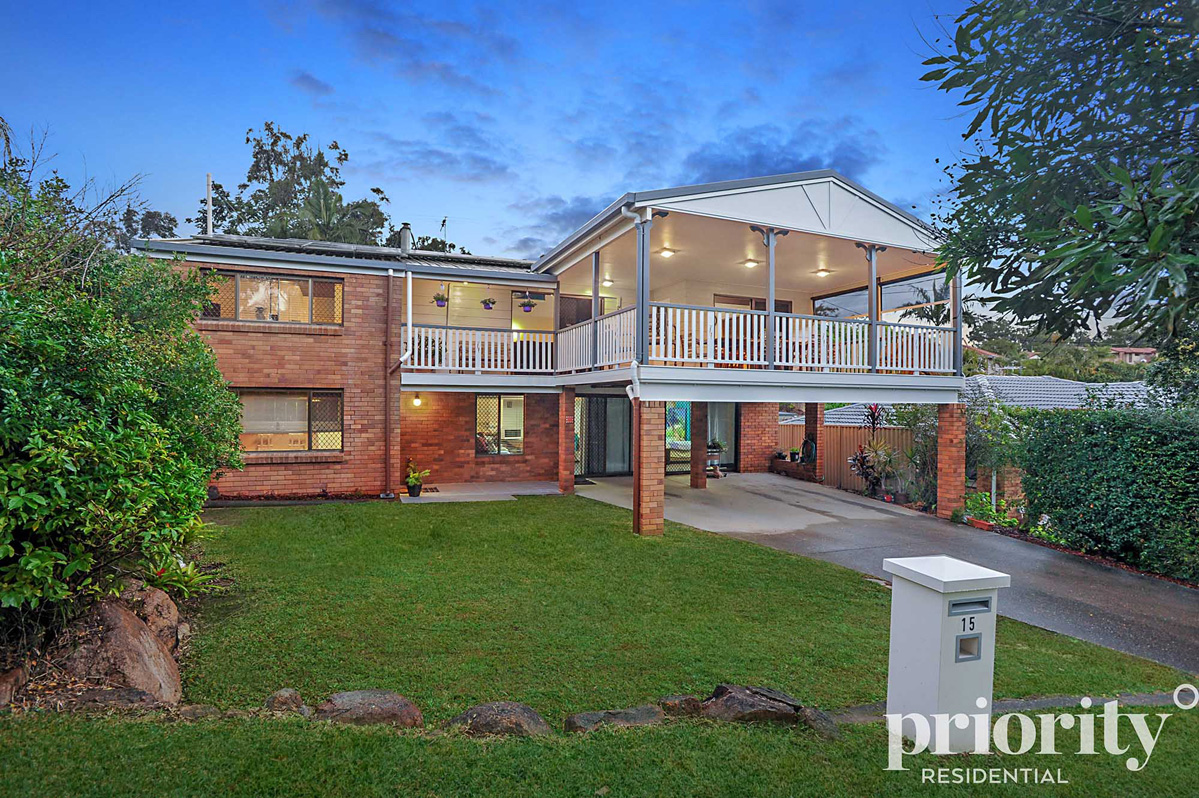 Family Entertainer with Dual Occupancy Option!