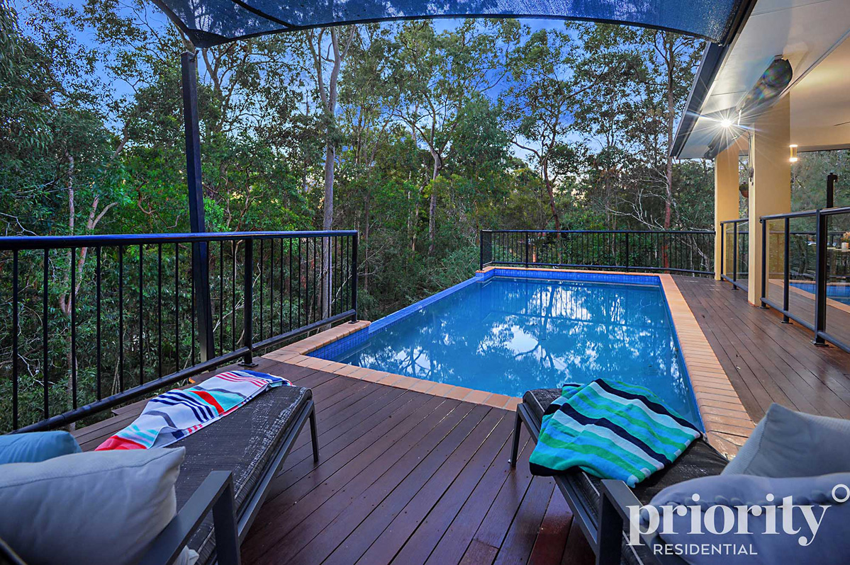 Stylish Urban Living with A Private Bushland Backdrop