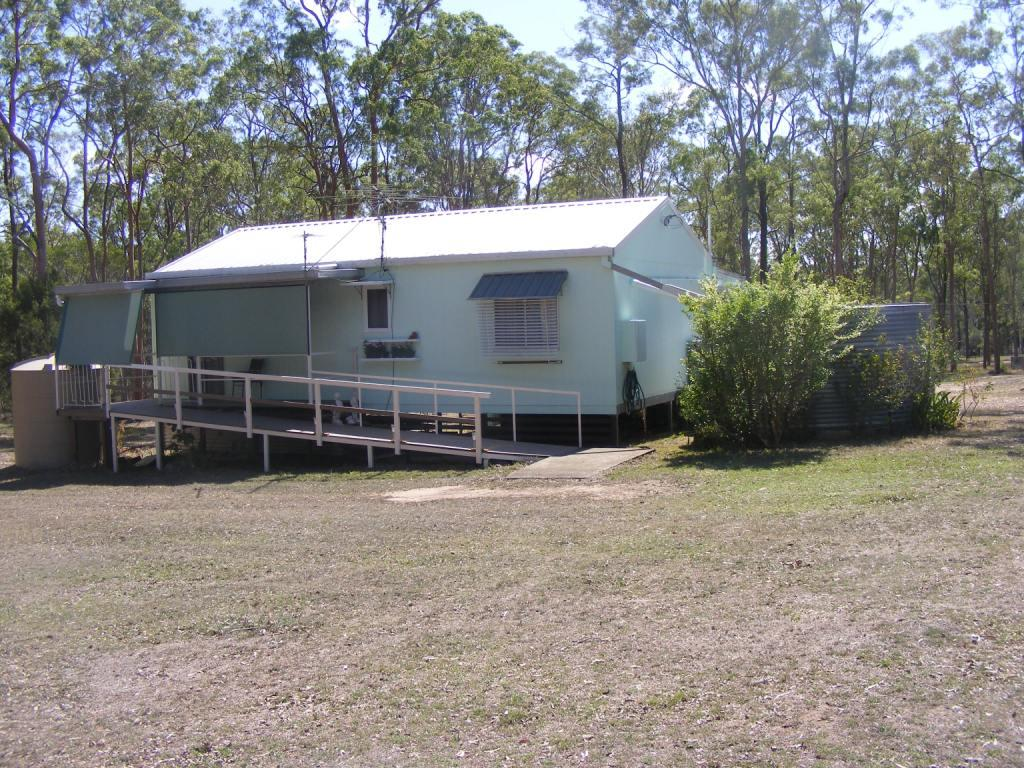 WELL PRESENTED 2 BEDROOM HOME ON 5 ACRES