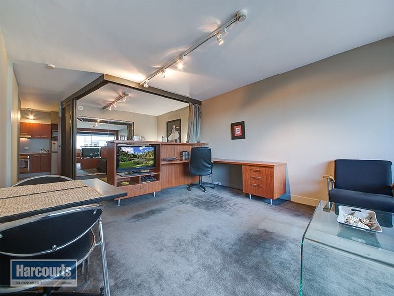 Under Contract – Huge Studio Apartment with Car Park!