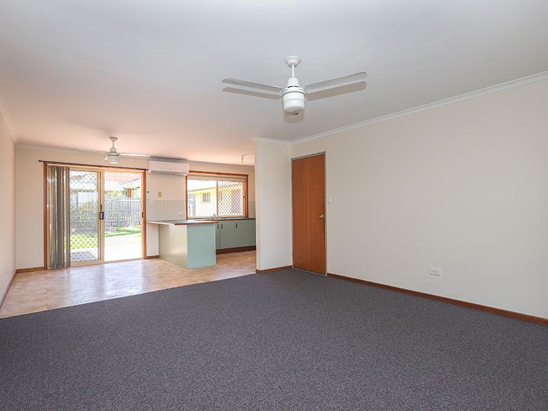 Duplex – Larger Than Most – Freshly painted, New carpet plus Bathroom Reno
