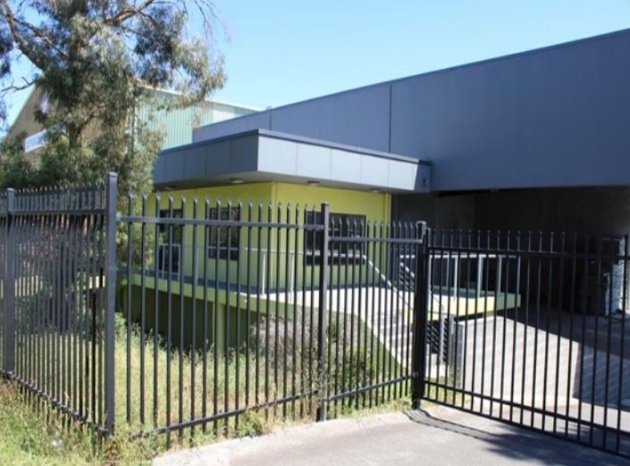 OPEN PLAN WAREHOUSE WITH AWNING
