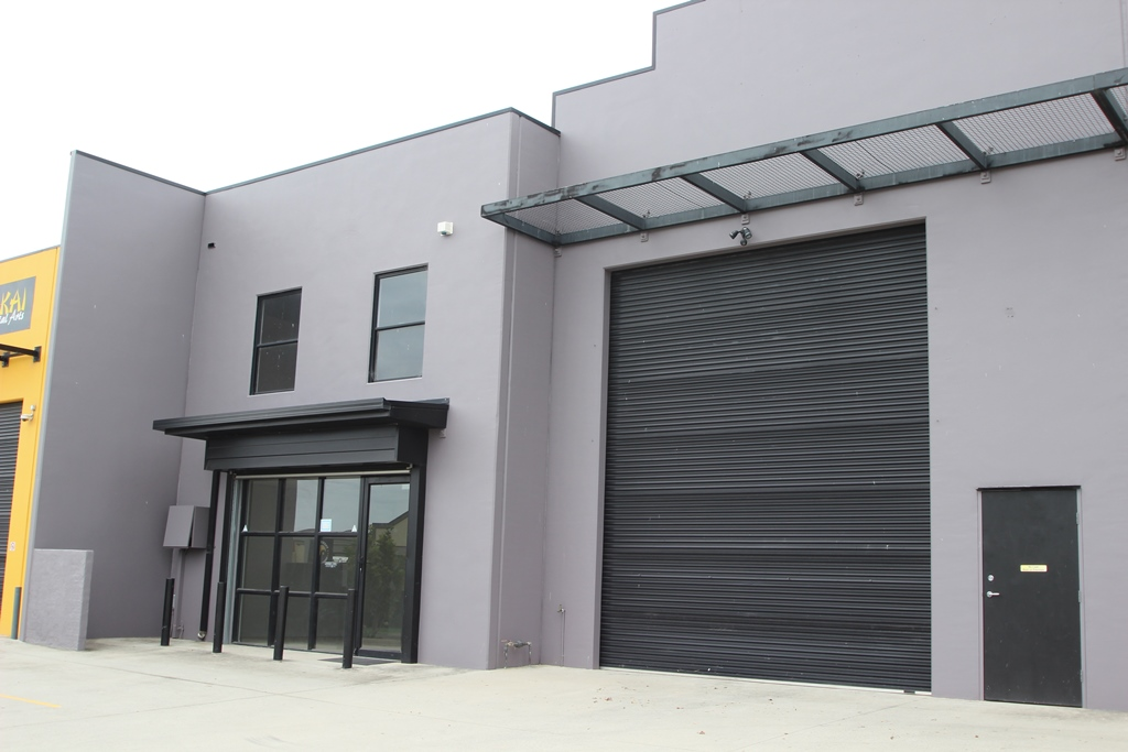 HIGH PROFILE QUALITY WAREHOUSE & OFFICES