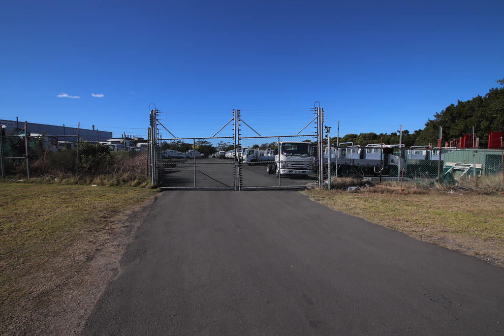 HIGH EXPOSURE INDUSTRIAL LOT