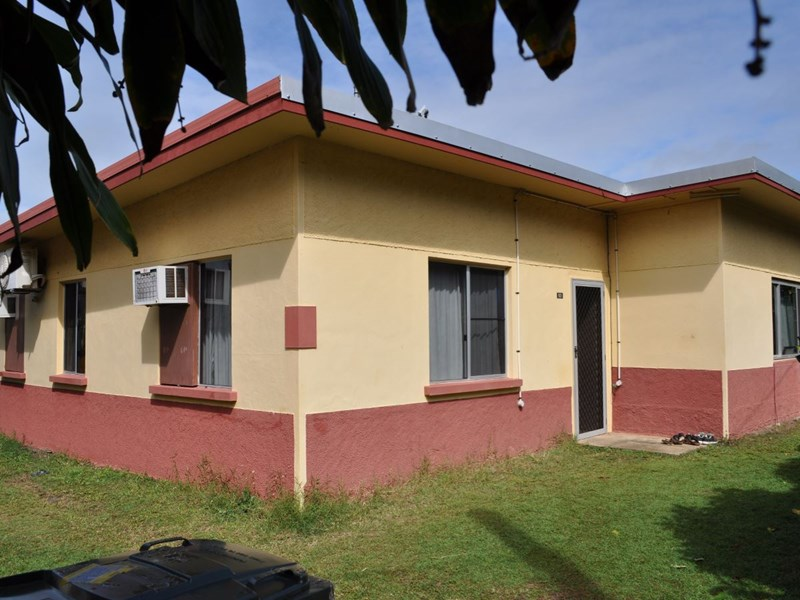 3 BEDROOM HOUSE – WALKING DISTANCE TO THE BEACH – PERFECT FAMILY HOME OR INVESTMENT PROPERTY