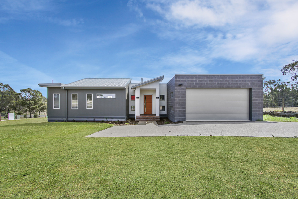 BRAND NEW HOUSE AND LAND – ULTIMATE SEACHANGE LIFESTYLE