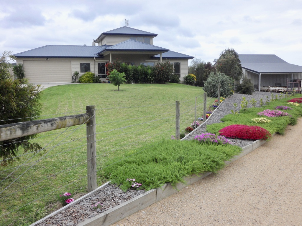 SPECTACULAR VIEWS – TAMBO RIVER FRONTAGE