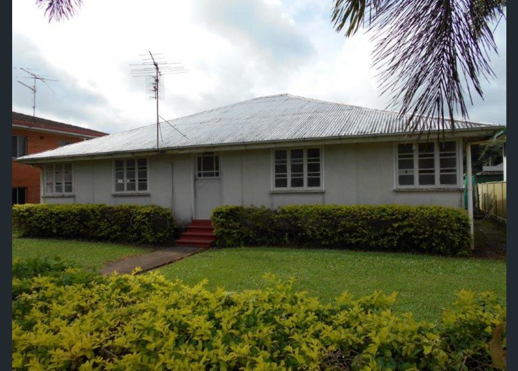 3 BEDROOM HOME – ALL CONVENIENCES AT YOUR DOORSTEP!