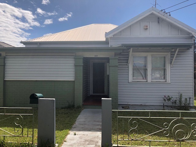 THREE BEDROOM HOME IN THE CBD