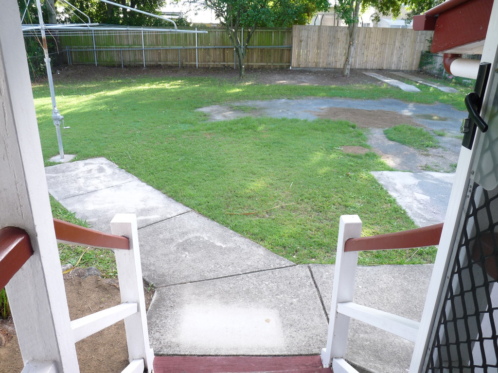 Close to Carindale Shopping Centre