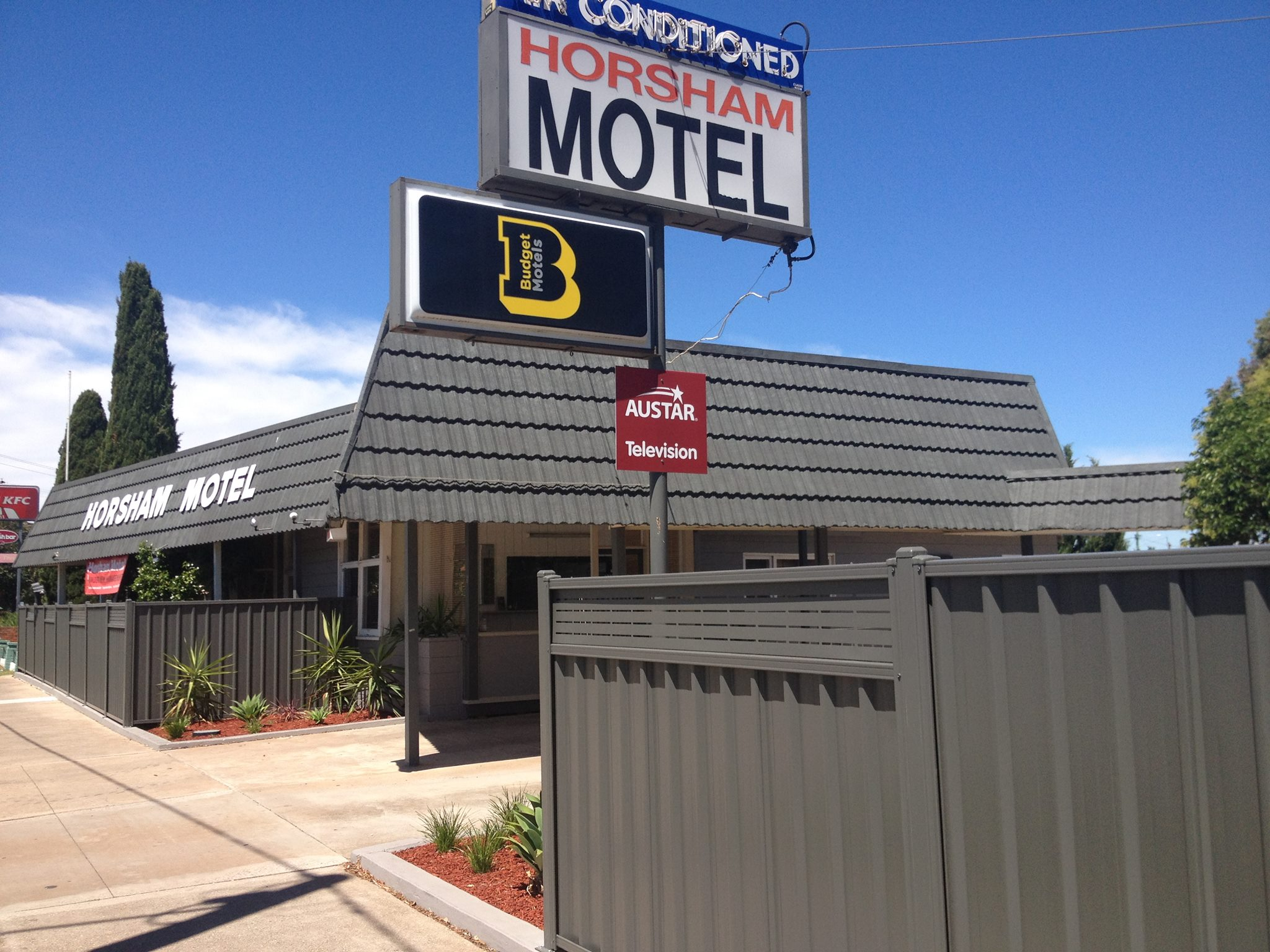 Freehold & Business Motel For Sale