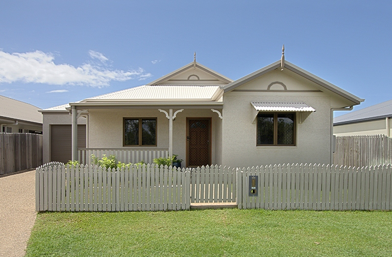 MODERN, SECLUDED & WITH A PLEASANT BUSHLAND OUTLOOK!