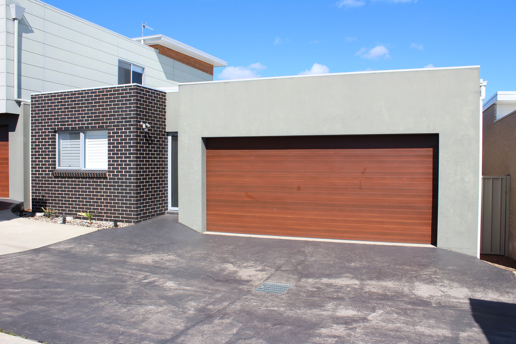 IMMACULATE 3 BEDROOM VILLA IN SHELLCOVE