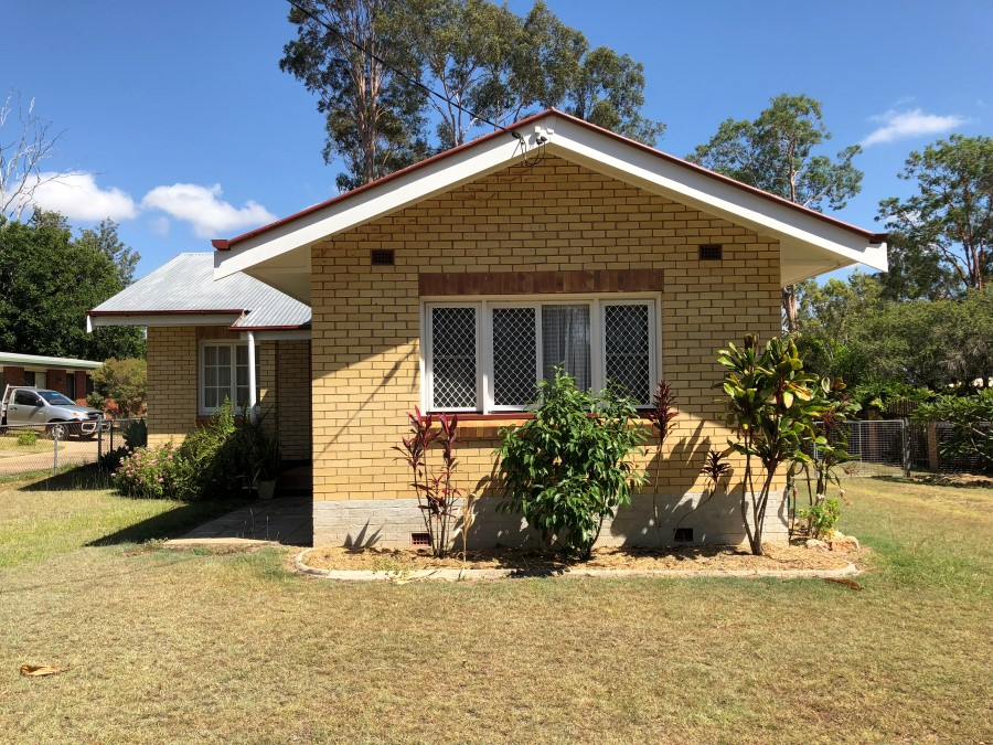 CUTE AS A BUTTON – SITUATED AT WONDAI