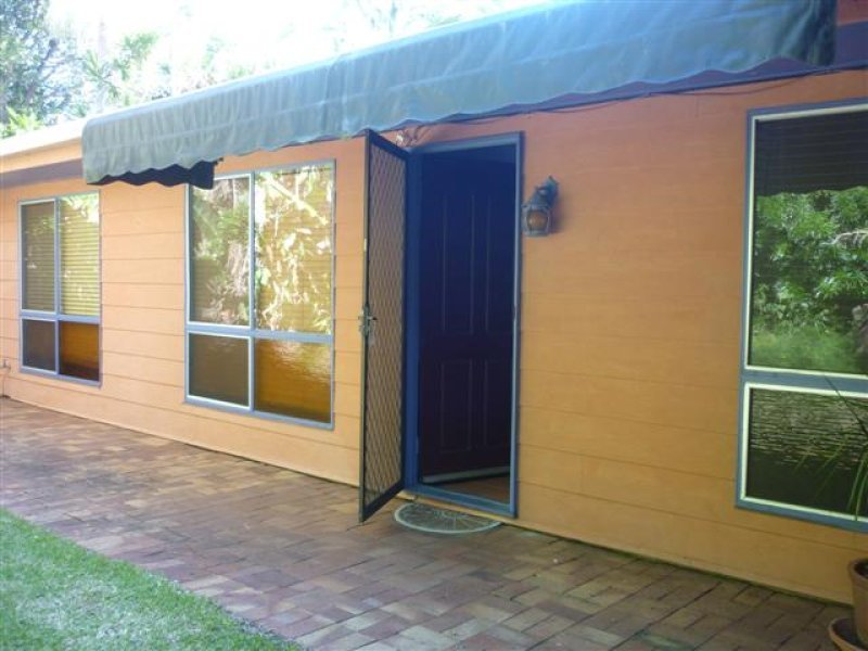 THREE BED PLUS SUNROOM WITH A/C