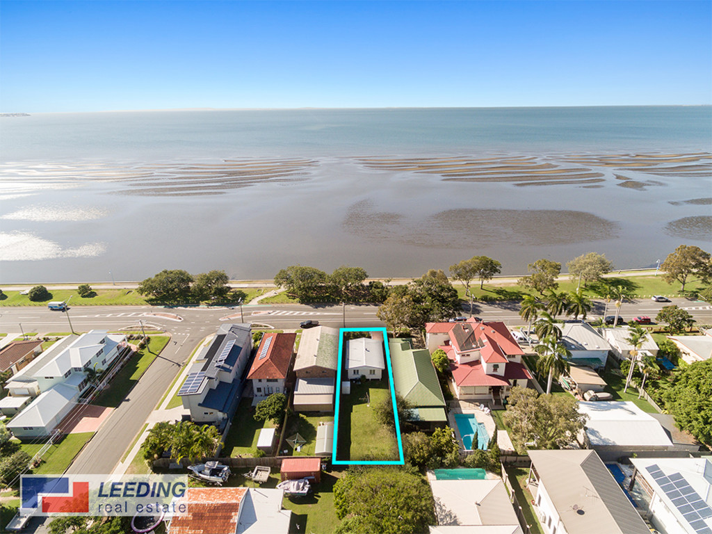 DIRECT WATER FRONT LOCATION…….YOU DECIDE!! **  RENT AND HOLD** DEVELOP LATER**