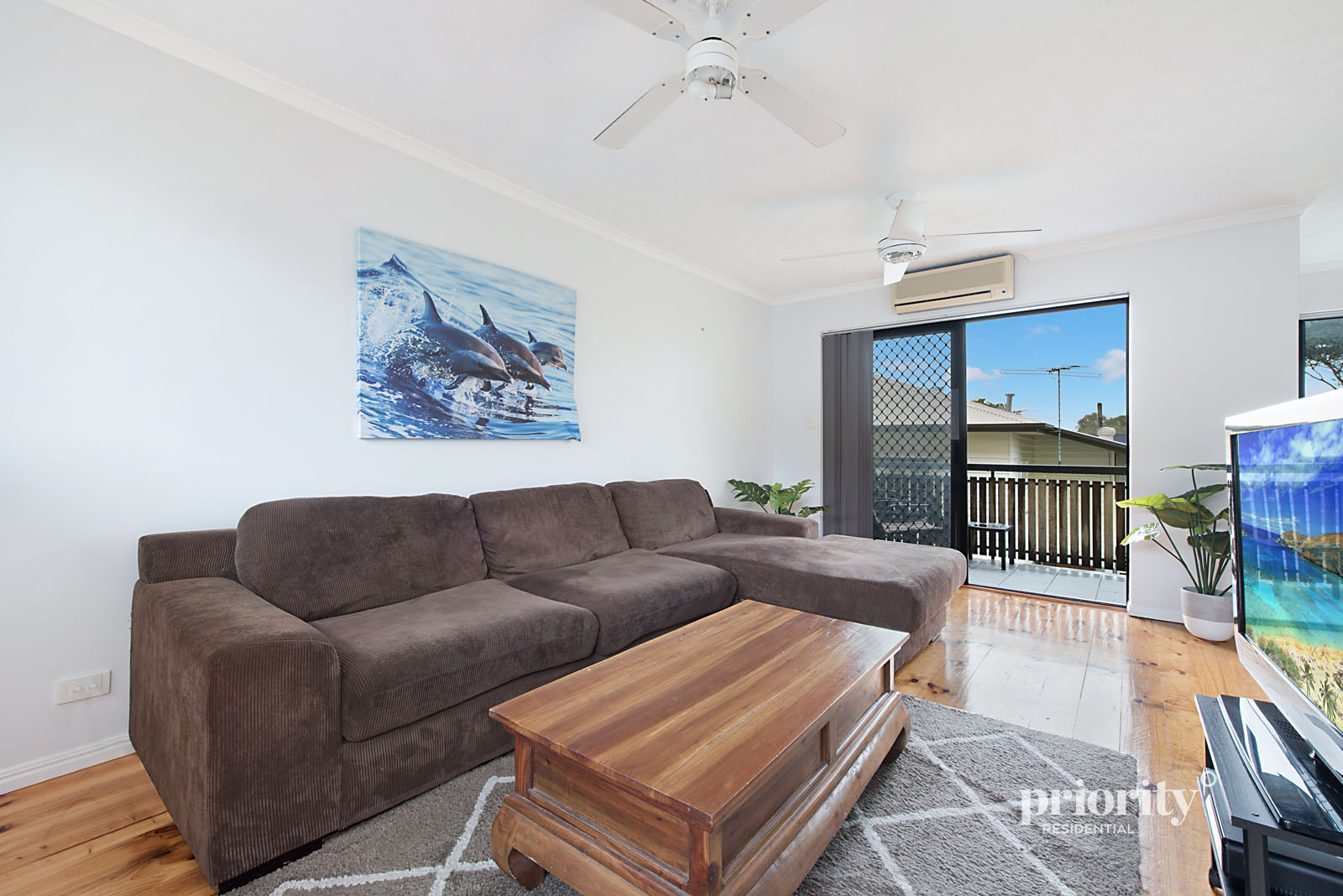Whisper quiet location in a complex of 4 – be quick!