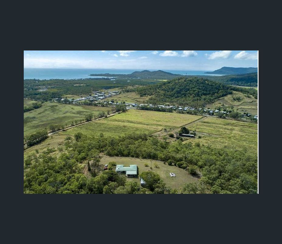 Great opportunity for investors! Huge block of land for sale !!