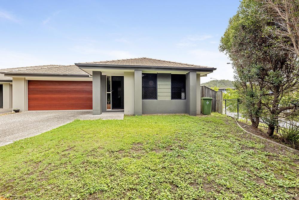 Stylish Duplex – Smart Investment, Convenient Location