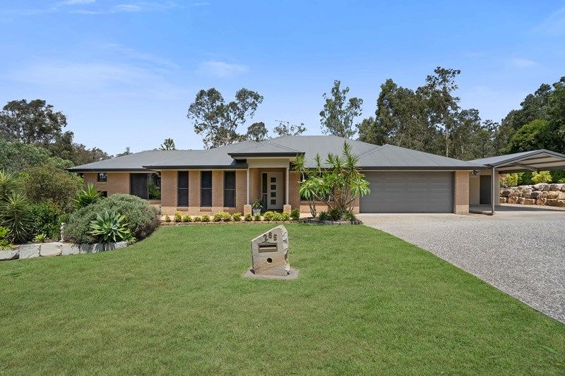 Beautifully Presented Home in Woodhill
