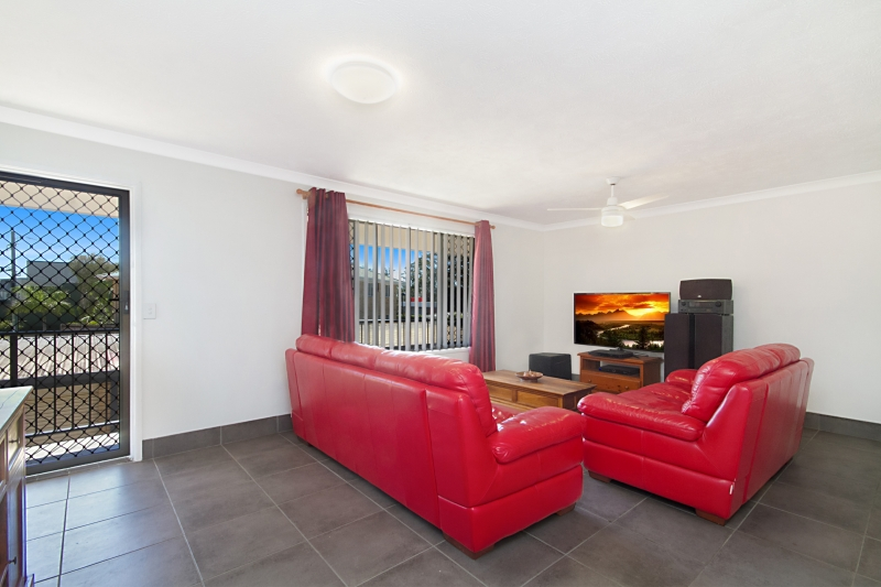 STUNNING FULLY RENOVATED APARTMENT – BE IMPRESSED