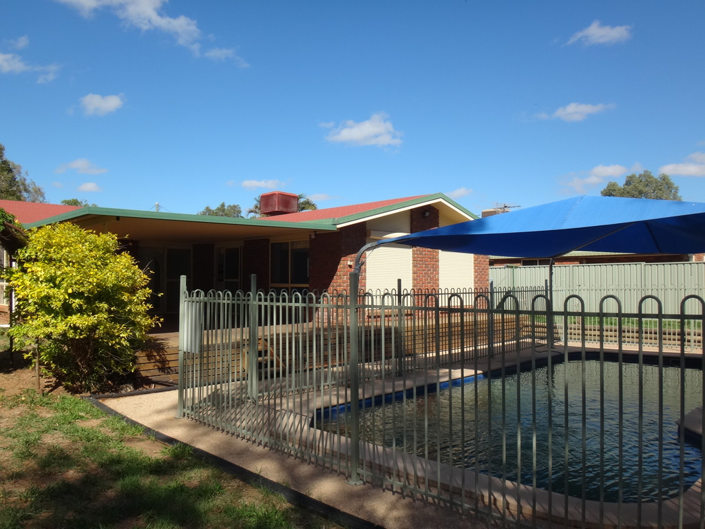 Huge Price Reduction – Seller Wants Sold