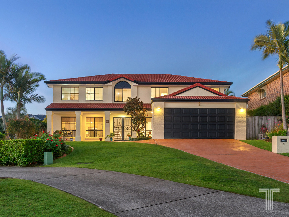 Expansive Family Home in Prestigious Pocket