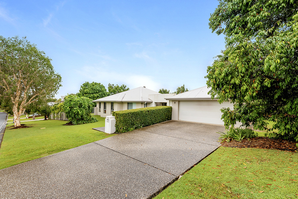 Quality Modern Living in Coomera Waters