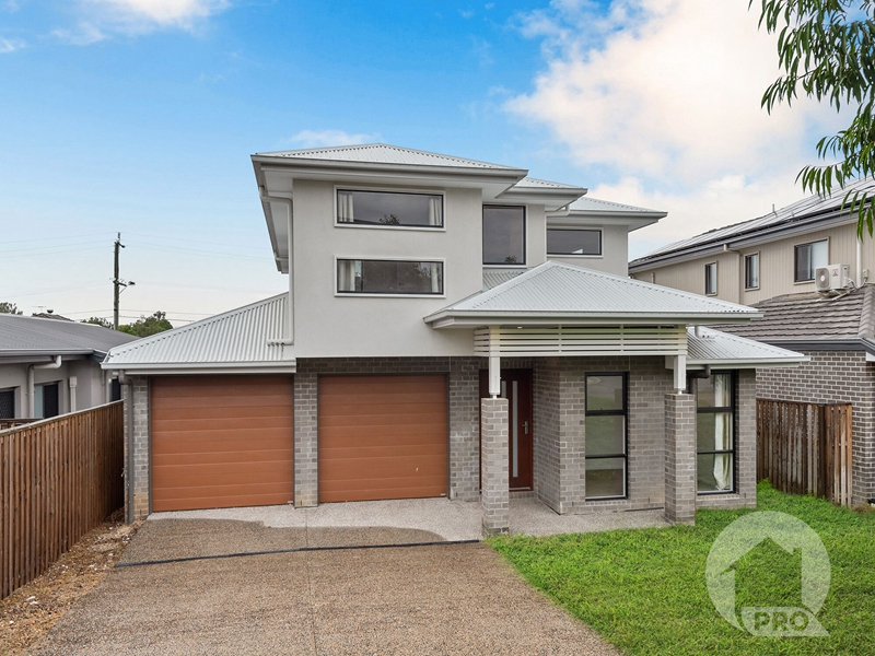 STUNNING NEW FAMILY HOME