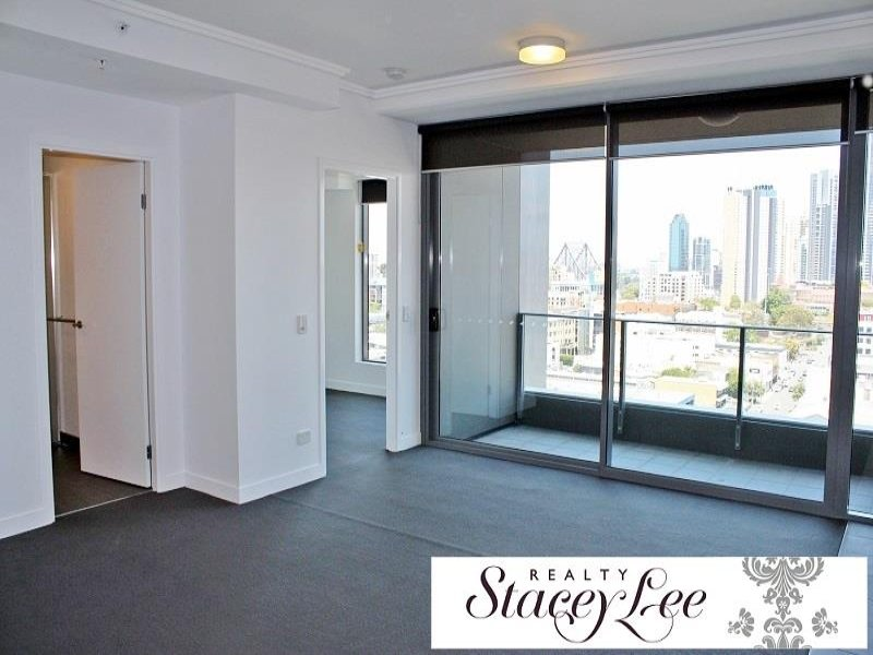 Want executive living with spectacular city views – UNDER APPLICATION