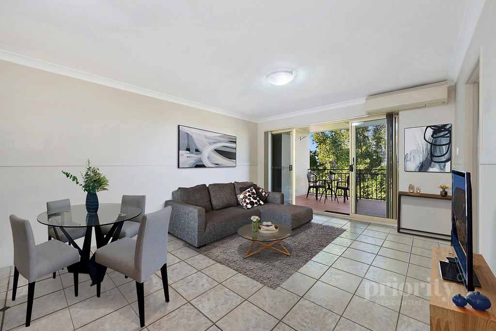Convenient inner city living in prime peaceful surrounds