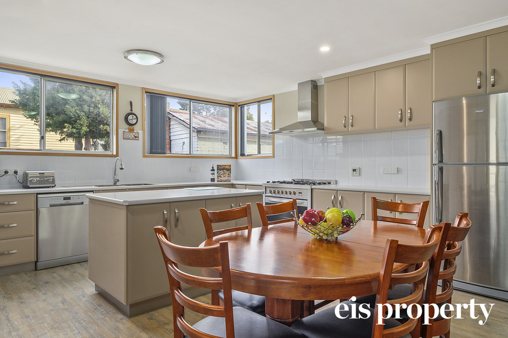 Centrally located home oozing charm