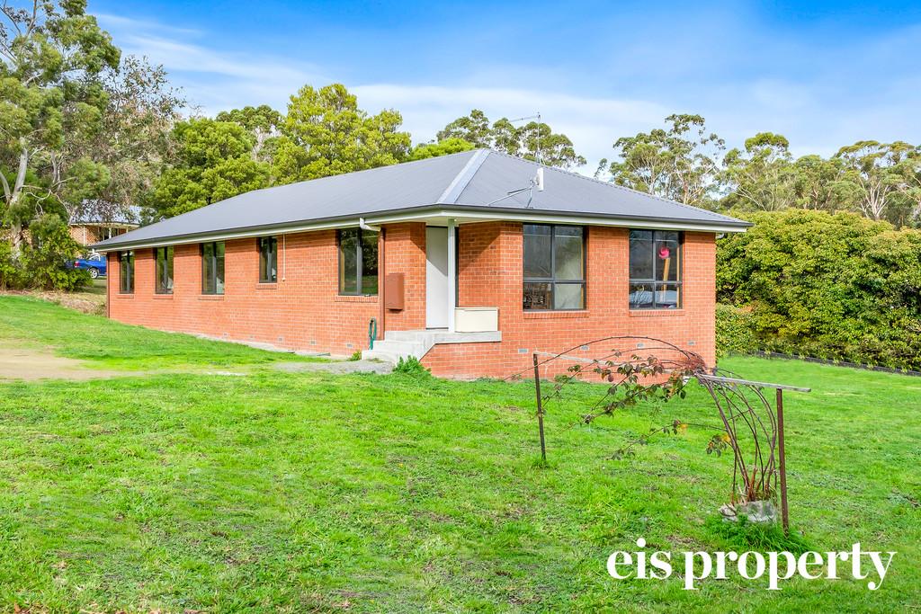 Brick home, double glazing  & prime location