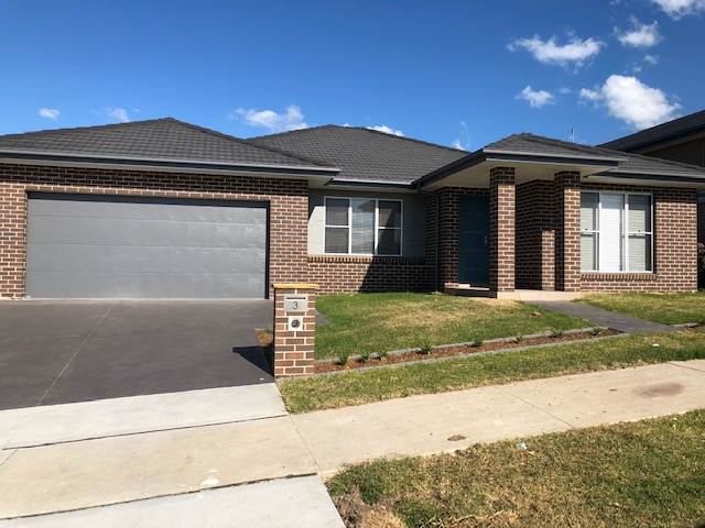 3 OAK FARM RD, CALDERWOOD