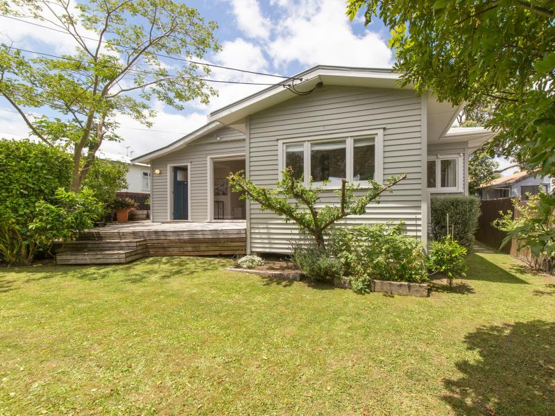 1920 Character bungalow in Point Chev